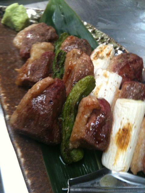お昼に鴨の串焼きで一杯(⌒▽⌒)