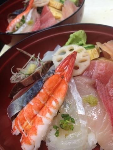 ランチの海鮮丼セット
