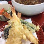 ランチの天ぷらと温かい麺